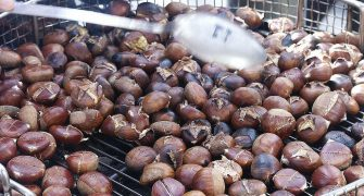 1024px-chestnuts_roasted