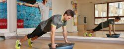 BOSU – zkuste cvičení s balanční polokoulí